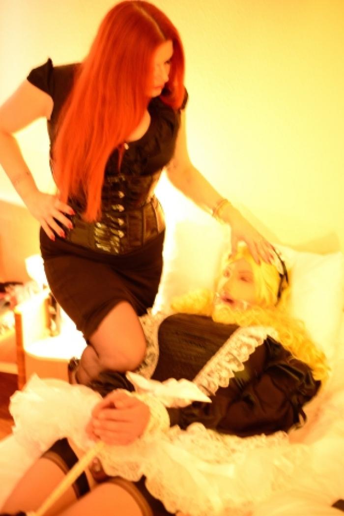 Wenn es nicht klappt: Strenges Bondage für meine Sissy Maid