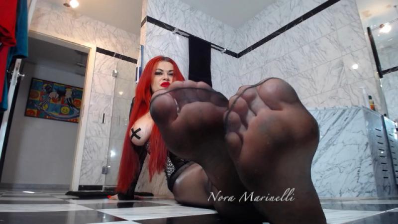 Geil programmiert auf meine sexy Füße